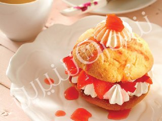 شورت کیک هلو (Strawberry shortcake)