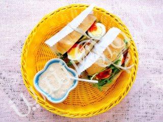 ساندویچ بوقلمون و تخممرغ