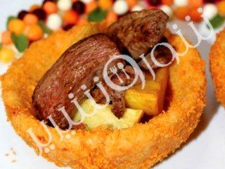 خوراک گوشت درکاسههای پنیری