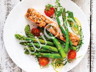 ماهی قزلآلا با سبزیجات