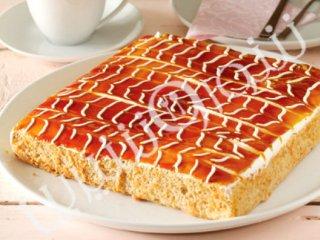 کیک مرطوب شیر و کارامل