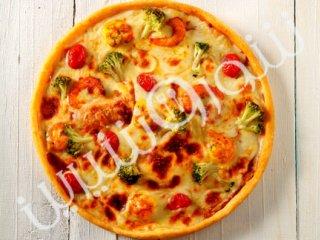 پيتــزا  ميگو و سبزیجات
